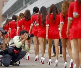 Campuchia muốn ra luật mới cấm váy ngắn, áo xuyên thấu