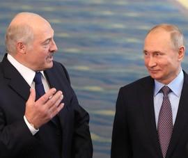 Ông Putin chúc sinh nhật ông Lukashenko giữa biểu tình Belarus