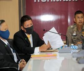 Hai con gái Thủ tướng Thái Lan kiện 100 người dùng mạng xã hội
