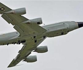 Trinh sát cơ Mỹ ngụy trang máy bay Malaysia áp sát Trung Quốc