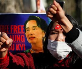Quân đội truy tố bà Suu Kyi và Tổng thống Win Myint