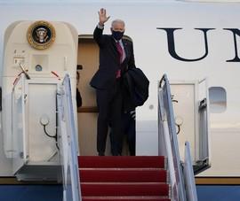 Ông Biden lần đầu bay trên chiếc Không Lực Một sau nhậm chức