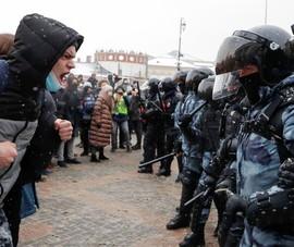Vụ ông Navalny: Nga sẽ đối mặt 'ngọn đuốc' biểu tình mới