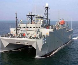 Biển Đông: Tàu Mỹ áp sát Hoàng Sa, Trung Quốc tập trận lớn