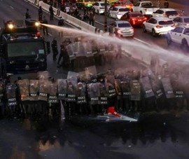 Thái Lan: Người biểu tình kéo đến tư dinh Thủ tướng