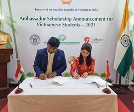 Đại sứ quán Việt Nam công bố 113 suất học bổng học tại Ấn Độ