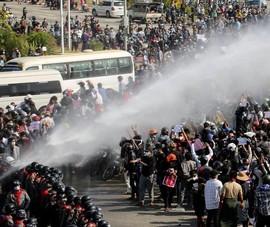 HĐBA LHQ kêu gọi quân đội Myanmar kiềm chế và đối thoại