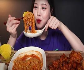 Lo sợ lãng phí thực phẩm, Trung Quốc cấm nghề 'mukbang'