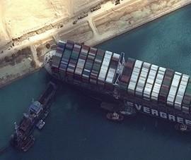 Vụ tàu mắc kẹt: Ai Cập giữ tàu, đòi bồi thường gần 1 tỉ USD