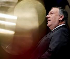 Vợ chồng cựu Ngoại trưởng Mỹ Pompeo bị tố 'vi phạm đạo đức'