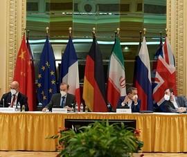 Iran nói Mỹ đã đồng ý dỡ bỏ phần lớn trừng phạt