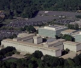 Nổ súng bên ngoài trụ sở CIA ở Virginia