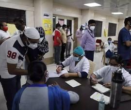 COVID-19 Ấn Độ: Kỷ lục số ca tử vong, nhiều nơi siết phong tỏa