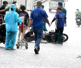 Thanh niên tống ba té nhào khi vượt chốt kiểm dịch Gò Vấp
