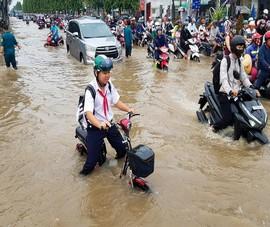 Video: Nỗi khổ của người dân mùa 'nước ngập'