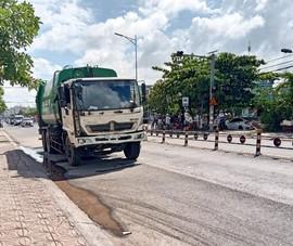 Xe chở rác ở Cần Thơ tông liên hoàn trên đoạn đường dài 200 m