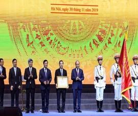 Bộ KH&CN đón nhận huân chương Lao động hạng Nhất