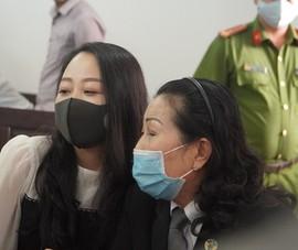 Nữ tiếp viên hàng không kháng cáo tăng án với tài xế Mercedes