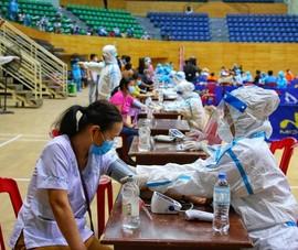 Đà Nẵng: Ca mắc COVID-19 giảm sâu, tiêm vaccine cho toàn dân