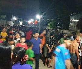 Dân nằm trước nhà nguyên phó công an huyện để đòi tiền
