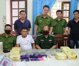 4 anh em họ cùng đi buôn bán ma túy