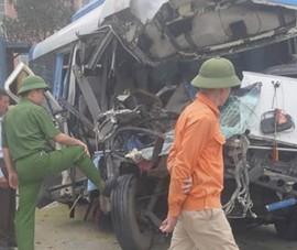 Thông tin mới vụ xe chở 22 người tông xe đầu kéo ở Nghệ An