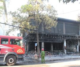 Thai phụ và 5 người thiệt mạng trong đám cháy tại 1 phòng trà