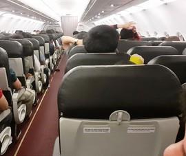 Chiều nay, hơn 230 người ở TP.HCM lên máy bay vé 0 đồng về quê Nghệ An