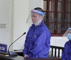 Phạt tù kẻ lẻn vào nhà chém 2 mẹ con chủ quán bi-a, cướp vàng