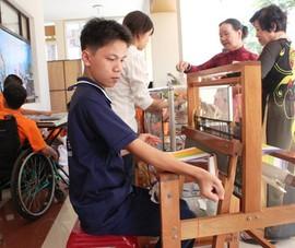Hơn 500 người khuyết tật được hỗ trợ vốn khoảng 20 tỉ đồng