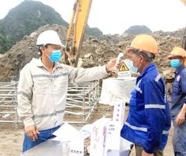Kiểm tra việc phòng dịch COVID-19 tại công trình xây dựng