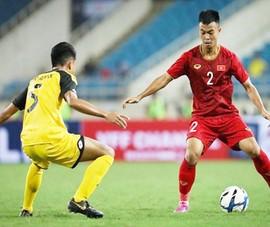 Trước trận gặp Trung Quốc, thầy Park bổ sung 2 hậu vệ