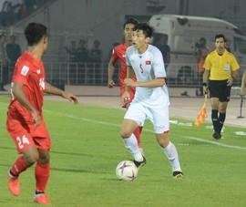 Vì sao Văn Hậu khó đá chính ở trận tiếp Malaysia?
