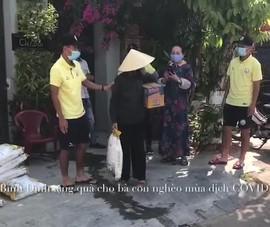 Cầu thủ Bình Định làm từ thiện trong mùa dịch COVID-19