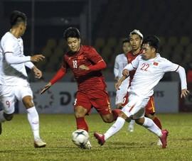 Về quê ăn Tết, ông Park 'chuyền bóng' khó cho VFF và VPF
