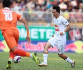 Tuấn Anh chấn thương, Kiatisak không dám mạo hiểm với Viettel