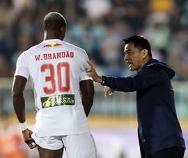Kiatisak chấn chỉnh HA Gia Lai, lo đối đầu Hà Nội FC