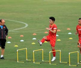 Kiatisak đặt cược cho thầy trò ông Park