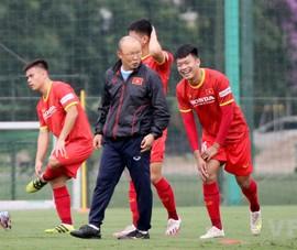 Lạ lùng ông Park bỏ 10 tuyển thủ, bổ sung 'cánh chim lạ' U-22