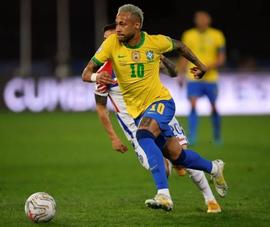 Bị thẻ đỏ, Brazil thắng nhọc, Peru điên rồ vào bán kết