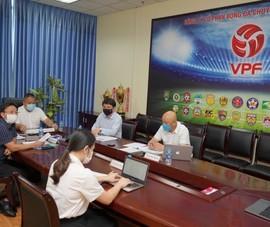 Bầu Đức phản pháo, VPF chưa chốt hoãn V-League sang năm