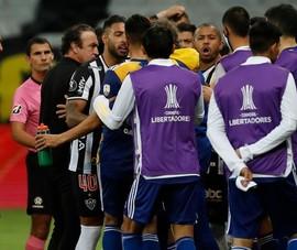 Hành hung đội bạn, cả đội Boca Junior phải ở đồn cảnh sát xuyên đêm