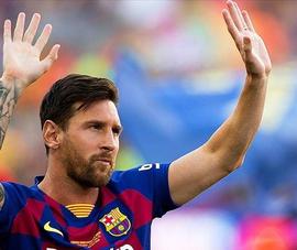 La Liga chính thức xóa tên Messi khỏi trang chủ do chưa ký với Barca