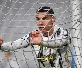 HLV Allegri cảnh báo Ronaldo sẽ phải ngồi ghế dự bị