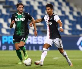 Ronaldo xóa tan tin đồn, chịu đá khai cuộc Serie A
