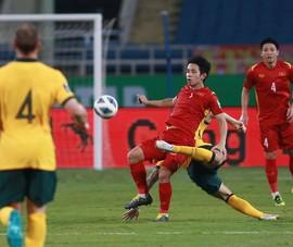 Trọng tài tước mất của Việt Nam một quả penalty