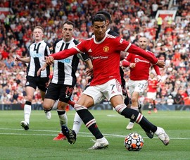 HLV của West Ham tuyên bố sốc về Ronaldo