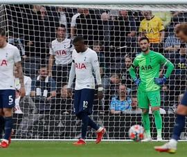 'Tottenham đá kém hơn trẻ lên 5'