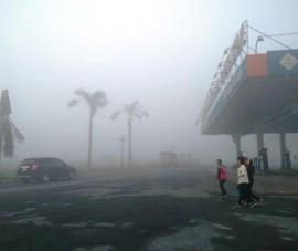 Tài xế bất ngờ vì cao tốc Trung Lương dày đặc sương mù