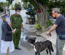 TP Thủ Đức: Xử lý nghiêm những người dắt chó đi dạo